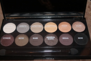 Au Naturel SLEEK eye shadows