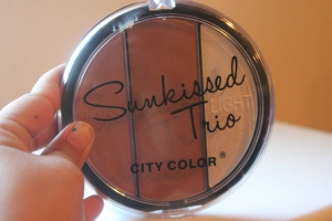 City Color Cosmetics Bronzer in Neutral Caramel picture by Ami Garza