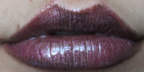 VIVA GLAM RIHANNA with Rimmel Lipgloss