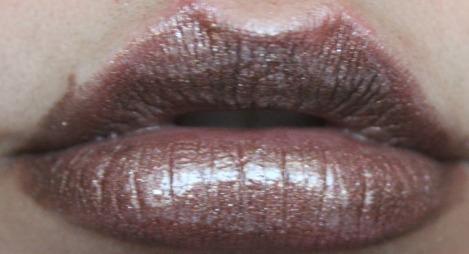 viva glam rihanna 2 lipstick with milani lipgloss
